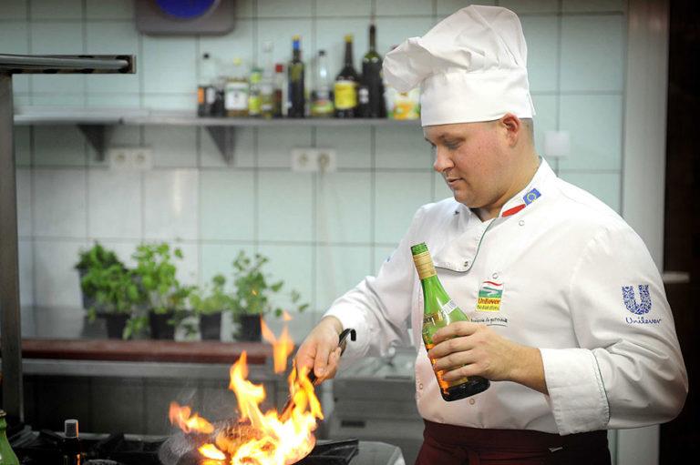 hotel restauracja starzyński płock szef kuchni