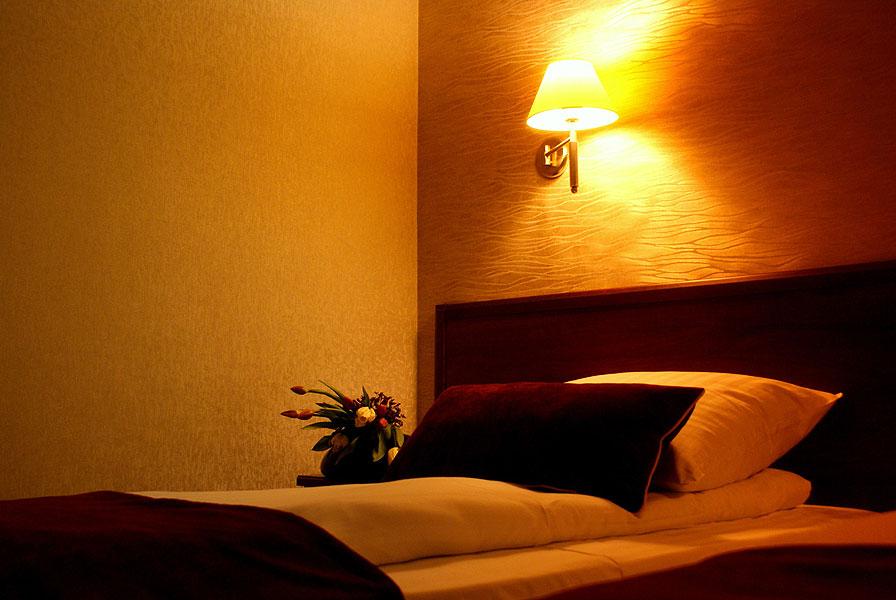 łóżko jednoosobowe hotel starzyński